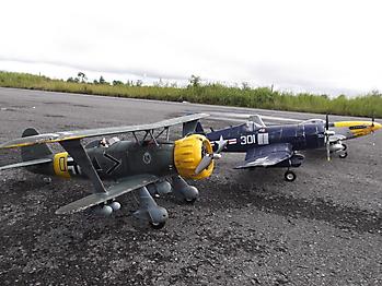 FMS Henschel HS-123 - 1030mm