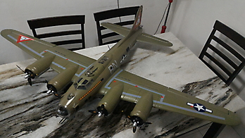 FREEWING B-17 Flying Fortress - 1600mm