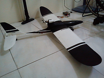 HOBBY KING AXN Cloud Fly floater jet glider - 1290mm