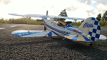 HOBBY KING Pitts Special - 860mm